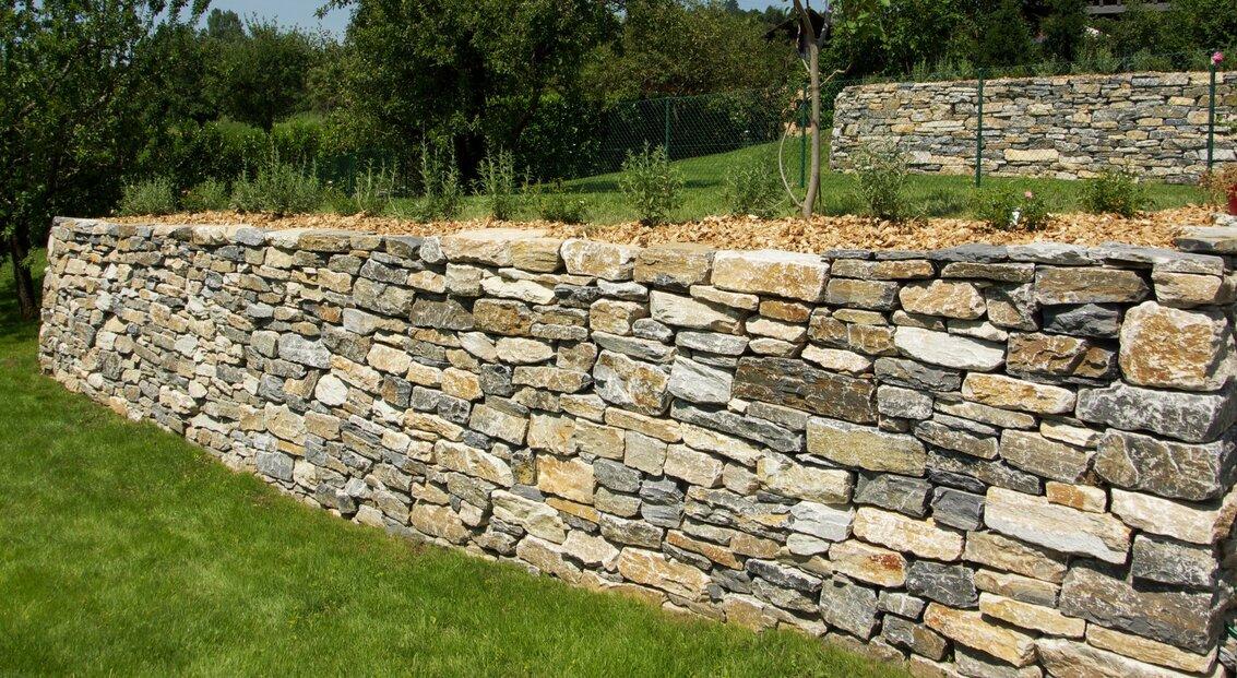 jardin_vivace_murs_en_pierres_seches_1